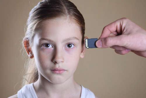 Datavaardigheden leren is moeilijker dan het implanteren van een chip